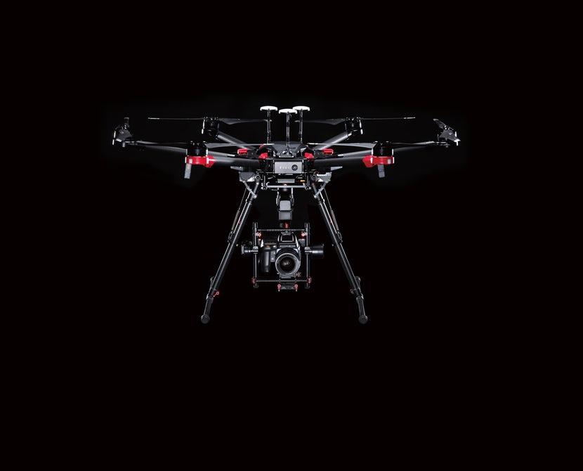 Drone dengan Kamera 100 Megapiksel
