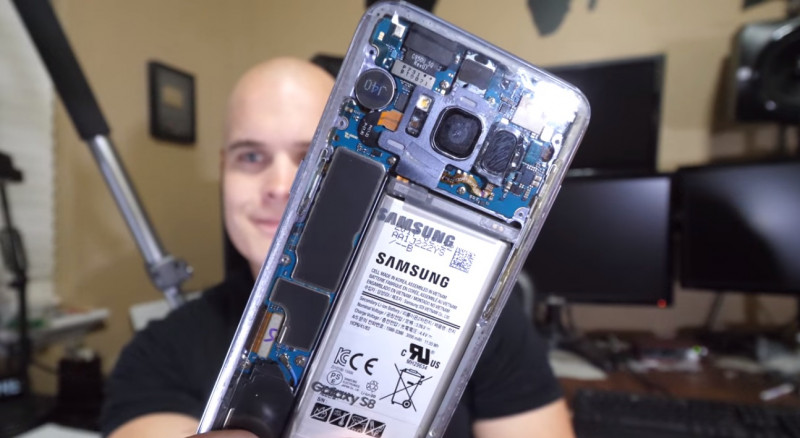 Galaxy S8 transparan