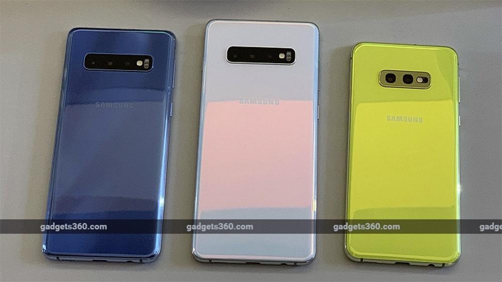Tampilan belakang ketiga tipe Samsung S10